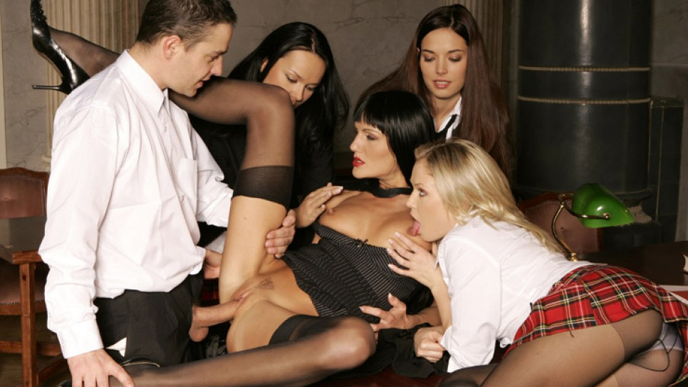 этой знакомства для группового секса в одессе чего