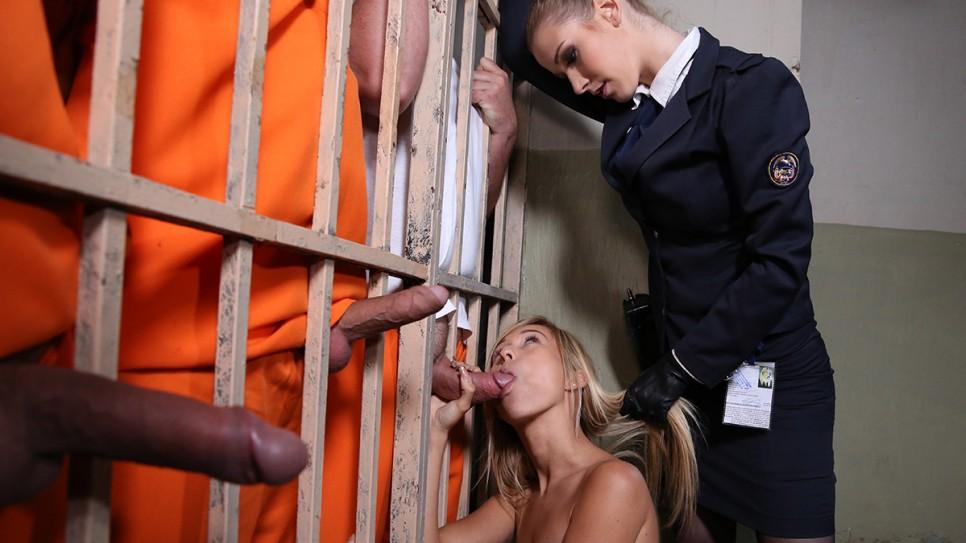 порно фильмы сквиртнг в тюрьме
